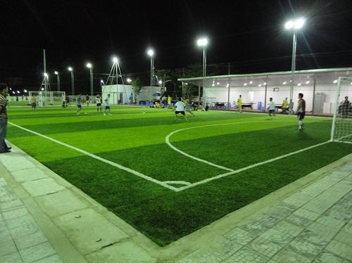 kích thước sân bóng cỏ nhân tạo