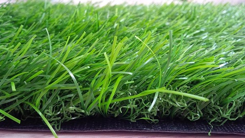 thi công sân bóng cỏ nhân tạo 11 người với cỏ chất lượng cao