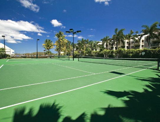 Lợi ích của việc sử dụng cỏ nhân tạo sân Tennis