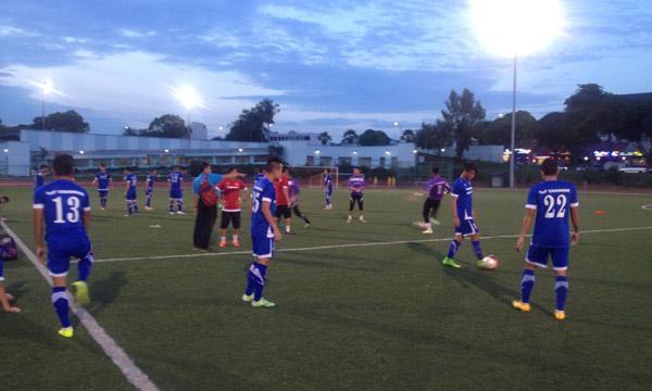 U23 Việt Nam thưởng thức đặc sản sân cỏ nhân tạo – tại Sea Games 28 Singapore
