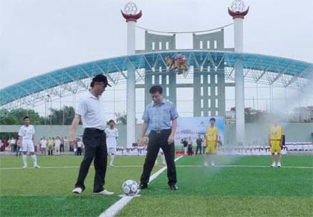 Sân bóng đá trải cỏ nhân tạo chuẩn quốc tế tại Hà Nội