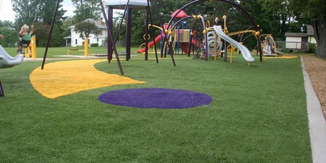 Lắp đặt cỏ nhân tạo trong công viên