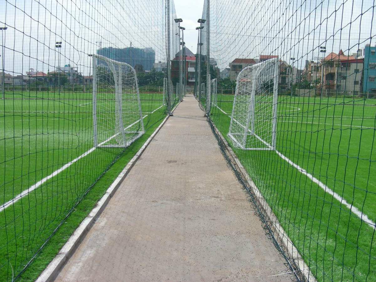 Thi công sân cỏ nhân tạo uy tín và đảm bảo chất lượng