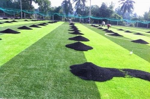 Ưu nhược điểm các loại hạt cao su cỏ nhân tạo