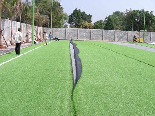 Thi công sân cỏ nhân tạo tại Hồ Chí Minh