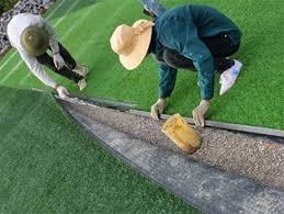 Bảo dưỡng cỏ nhân tạo siêu rẻ tại Hà Nội