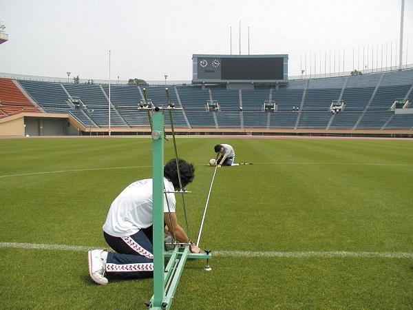 Bảo dưỡng cỏ nhân tạo tại Nghệ An