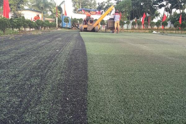 Bảo dưỡng cỏ nhân tạo tại Quảng Bình