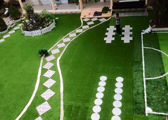 Thuê cỏ nhân tạo