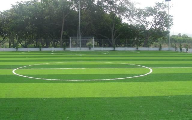 Sân bóng cỏ nhân tạo Mai Dịch - Hà Nội do Cao Nguyễn thi công
