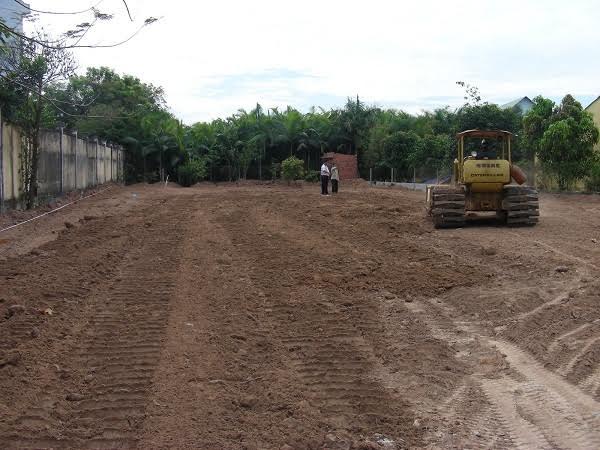 Thi công nền hạ sân bóng cỏ nhân tạo